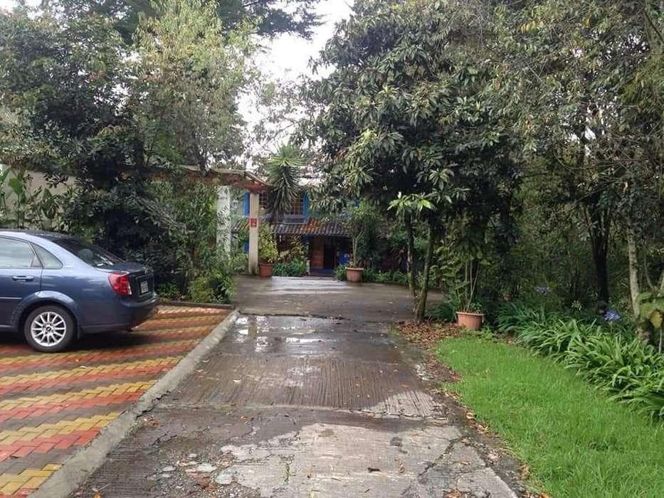 Renta o alquiler Casa y Suite en Hermosa Quinta Valle de los Chillos, sector Alangasí