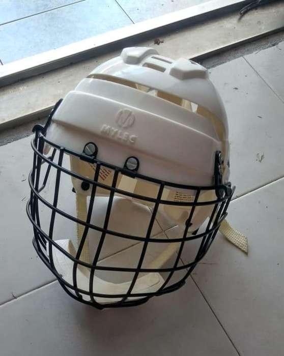 Casco Protector de Hockey