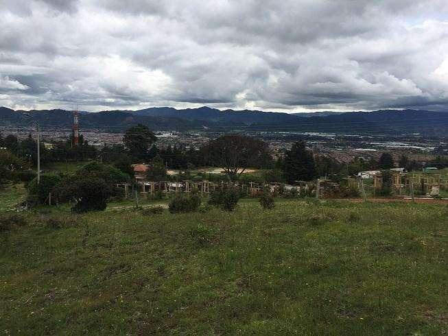 Lote en excelente ubicación, con vista a la sabana norte de Bogotá 48807