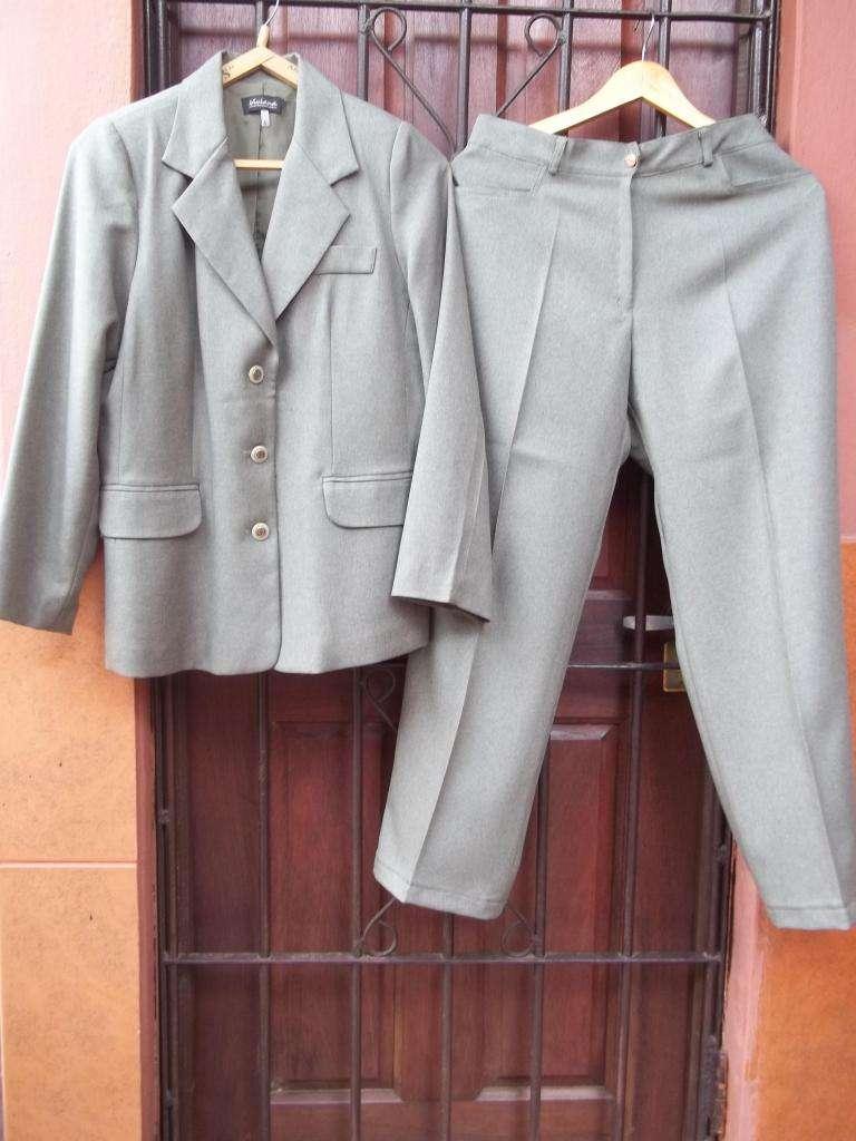 Traje sastre damas saco y pantalón verde seco