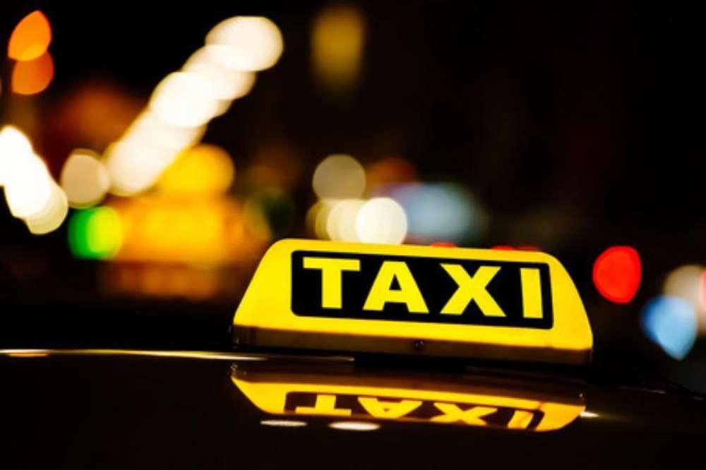 Conductor Taxi Turno Noche