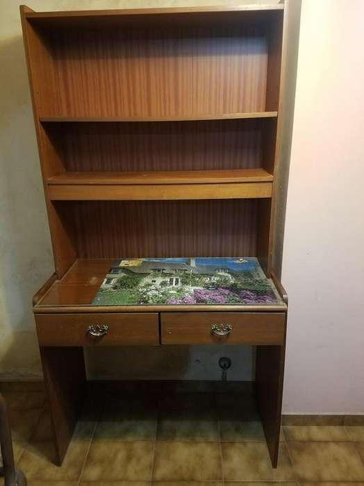 <strong>escritorio</strong> con Biblioteca