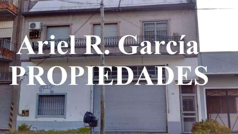 Dto 5 amb. c/Galpón; 420m2 en Total - Caseros