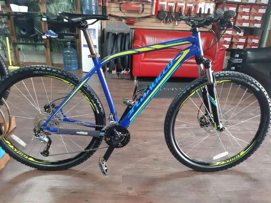Se Vende Bicicleta Specialized.