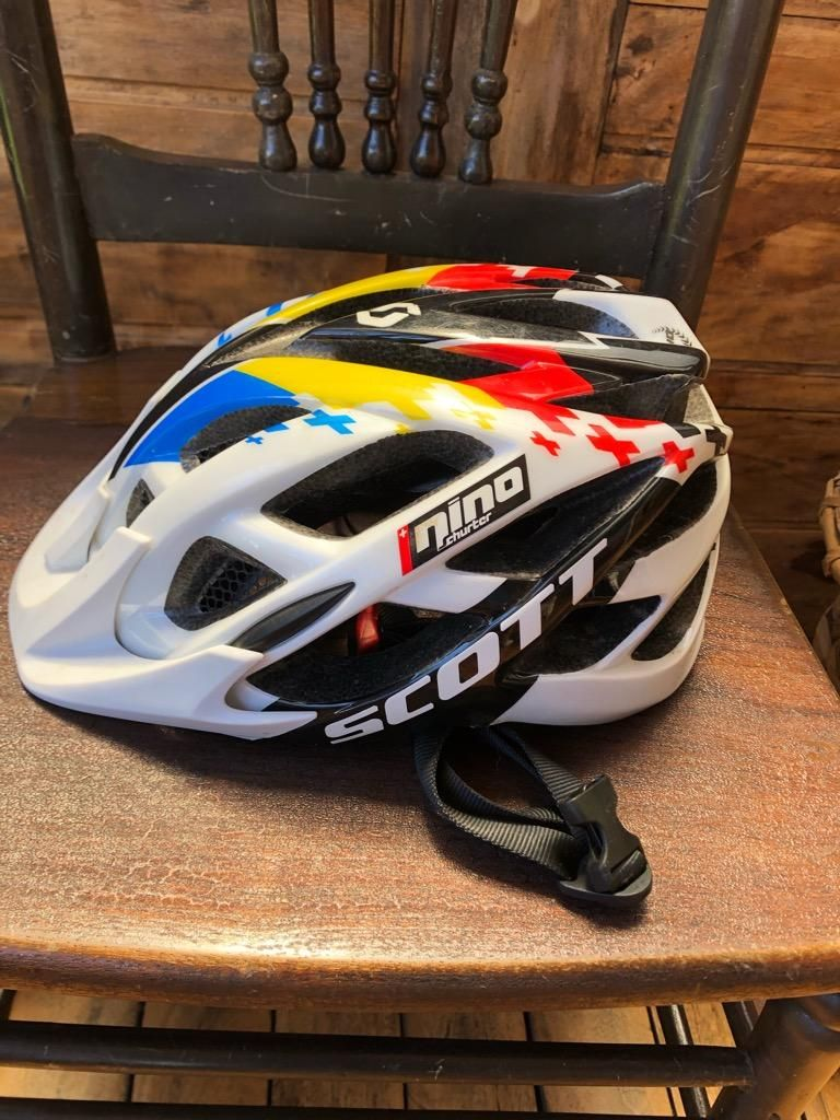 Casco Scott