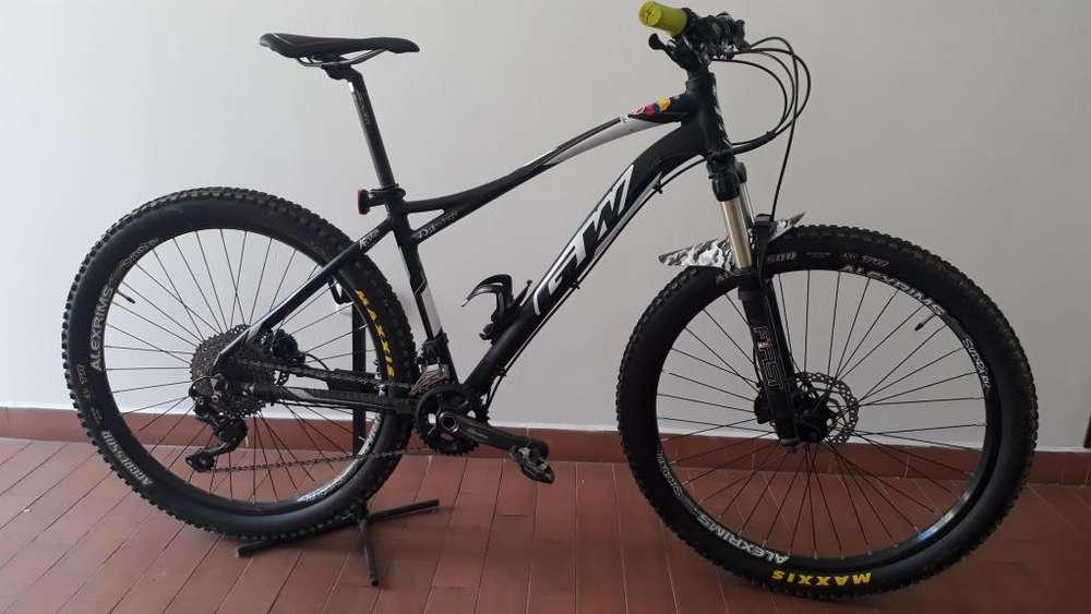 Espectacular bicicleta GW OWL Negro-Blanco Talla M