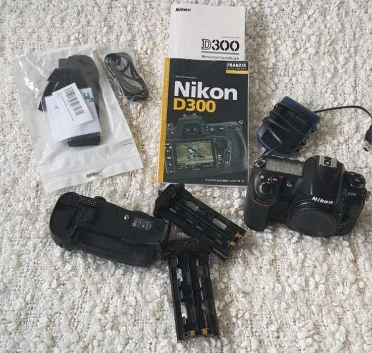 Se Vende Cámara Réflex Digital Nikon D30