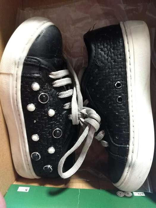 impecables zapatillas, botitas marca cabatini num 29