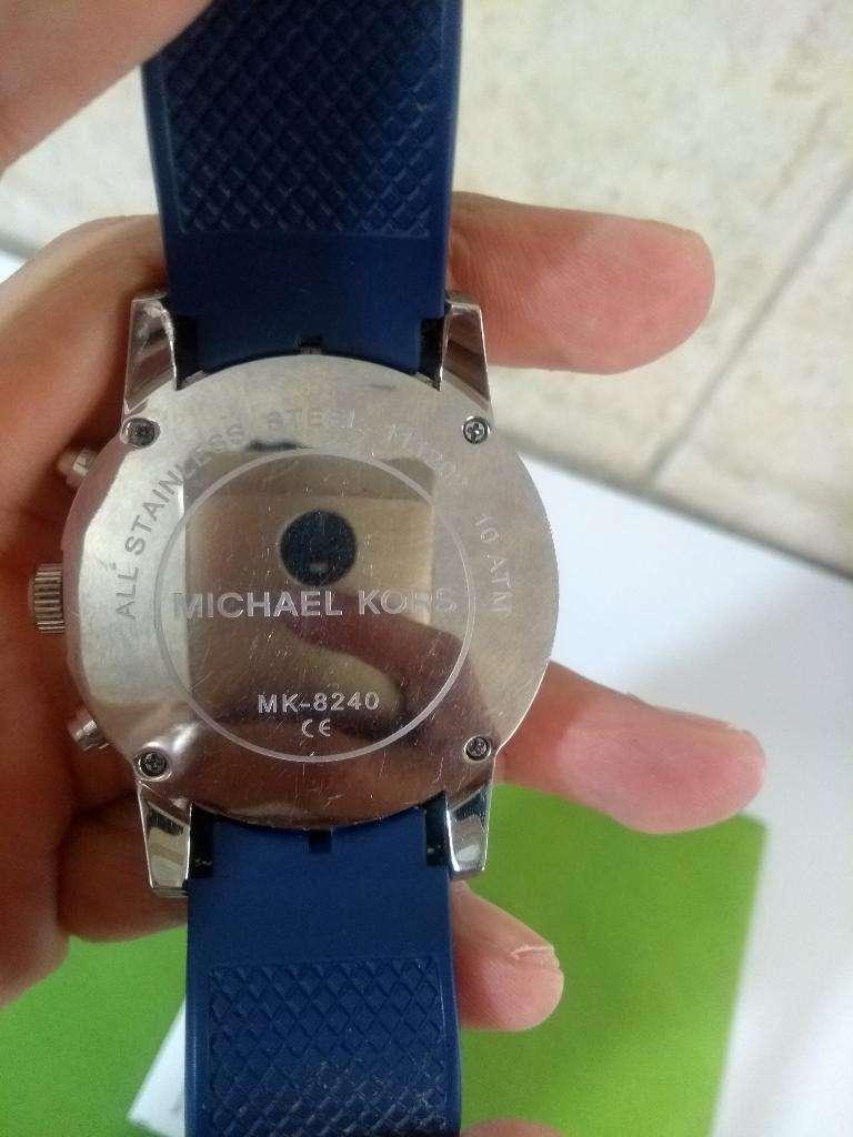 Reloj Michael Kors en Venta o Cambio por celular.Bellísimo