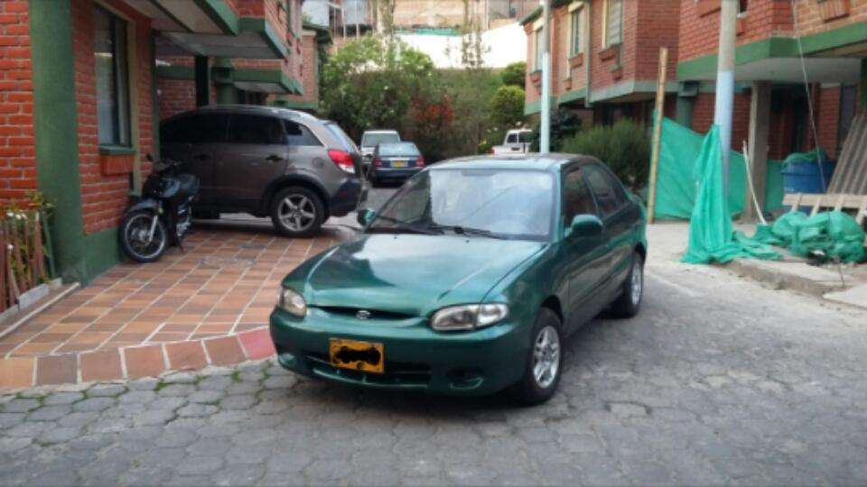 Hyundai Accent 1998 - 252000 km