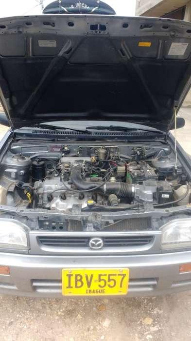 Mazda 323 2002 - 60000 km