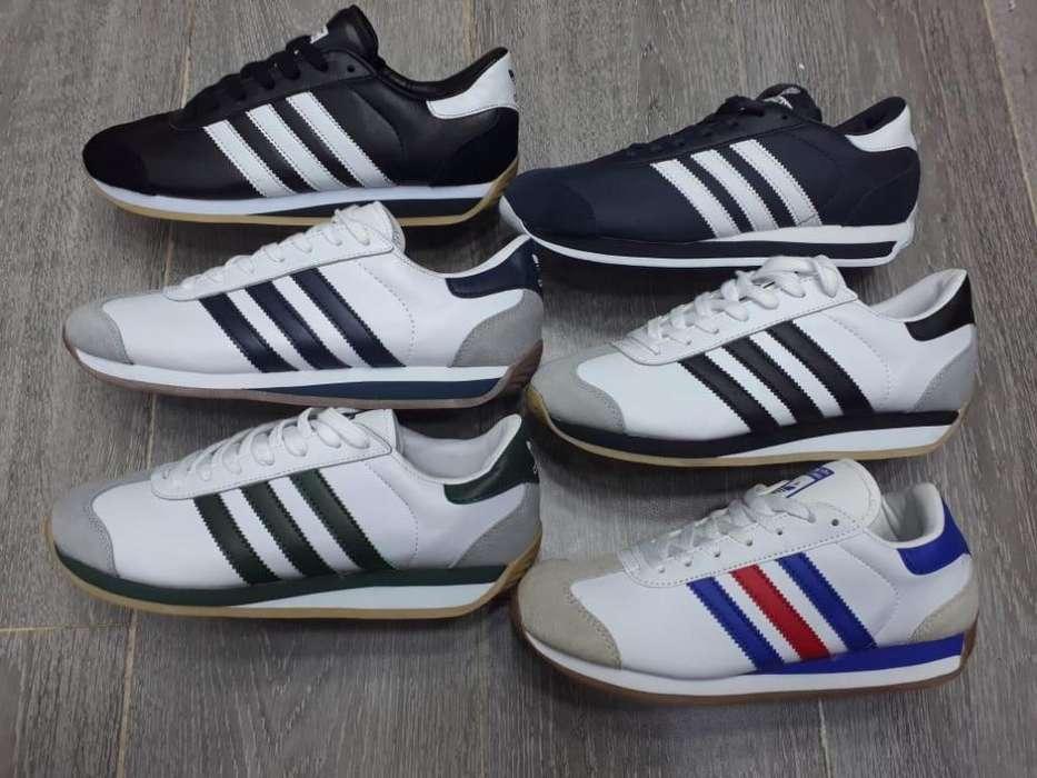 30273553c0f Zapatos - Bogotá.  140.000. 5 Mayo. Tenis Adidas Country Varios Colores
