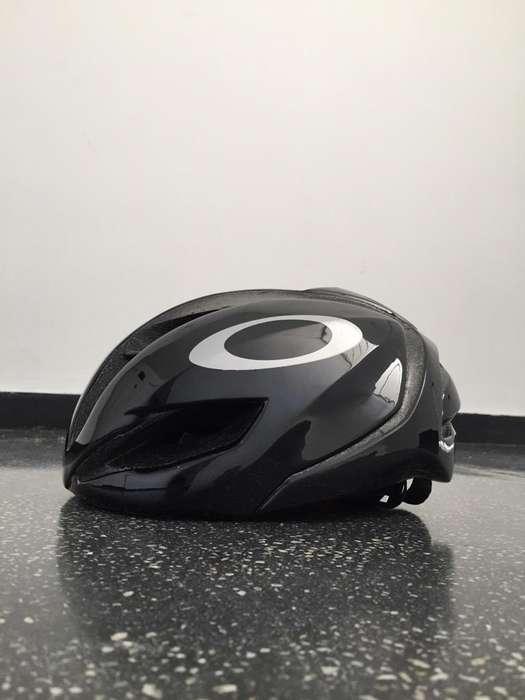Casco de Ciclismo Oakley