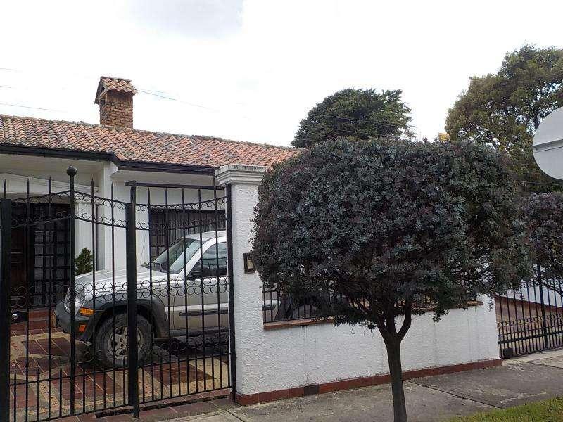 Casa En Arriendo/venta En Bogota Santa Barbara Alta-Usaquén Cod. ABREI-12