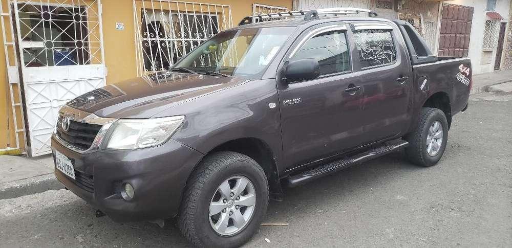 Toyota Hilux 2013 - 182000 km