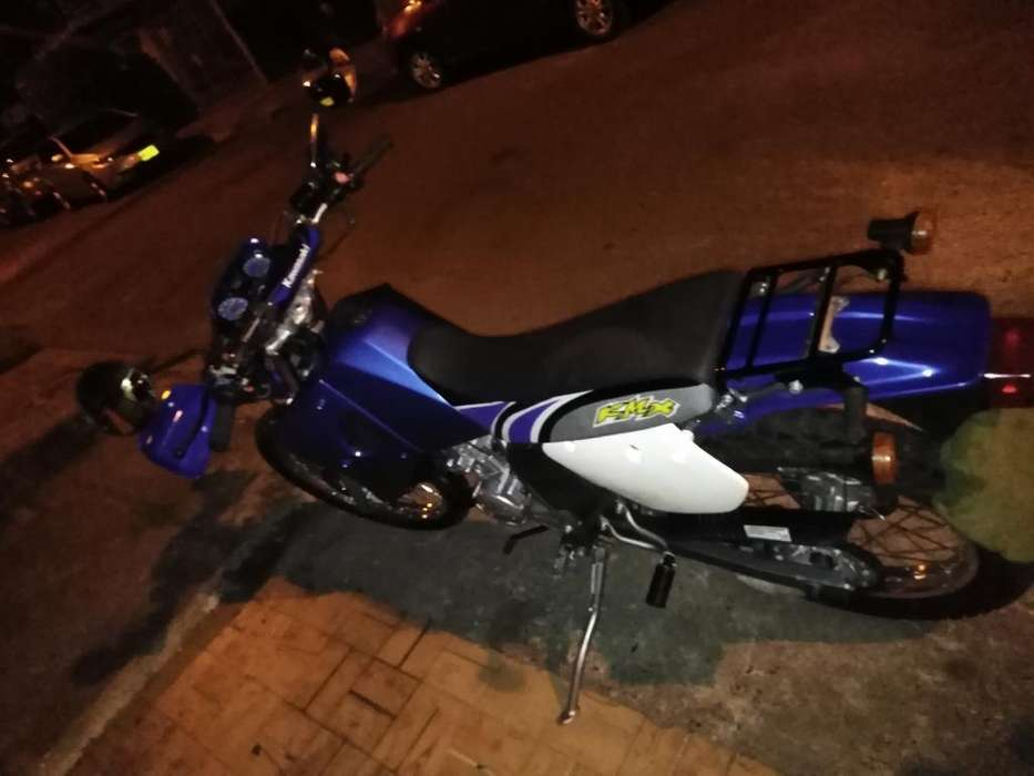 Se Vende Moto Kmx 125 Como Nueva