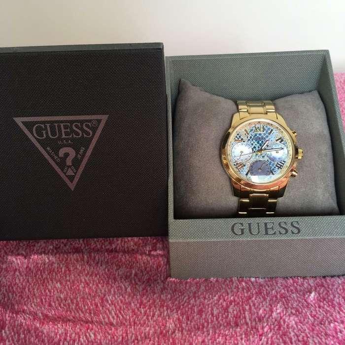 Reloj de mujer Guess dorado Original