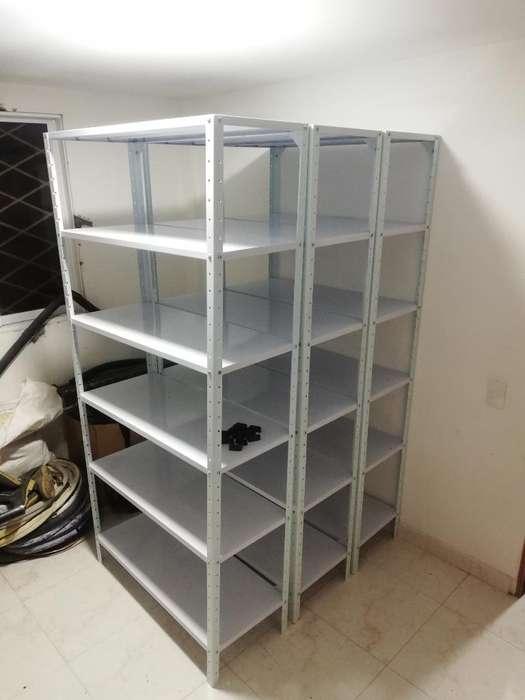 Vendo 3 <strong>estantes</strong> Blancos