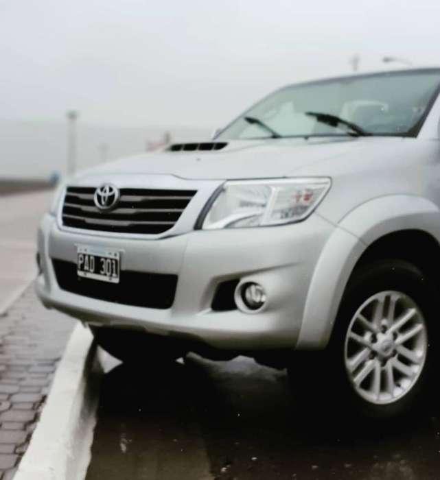 Toyota Hilux 2015 - 20000 km