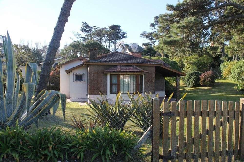 Ref: 8062 - Casa en alquiler - Pinamar, Zona Sur Playa