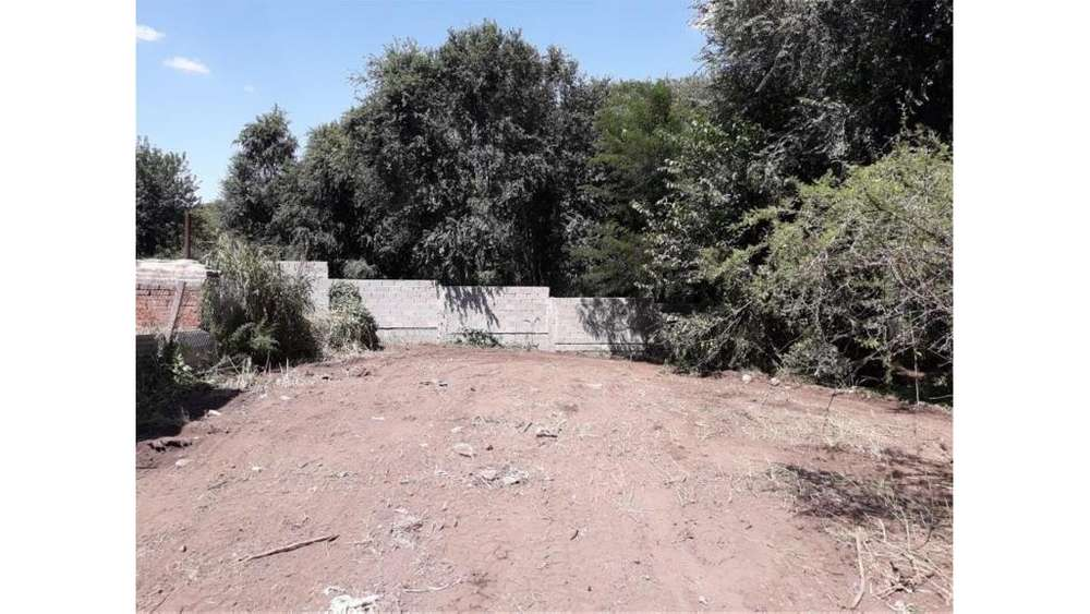 Sarmiento S/N - 900.000 - Terreno en Venta