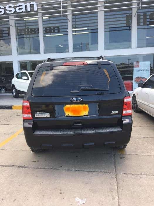 Ford Escape 2011 - 148000 km