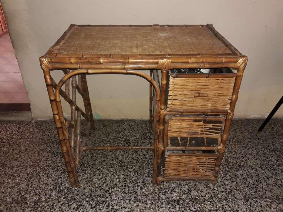<strong>escritorio</strong> de Mimbre