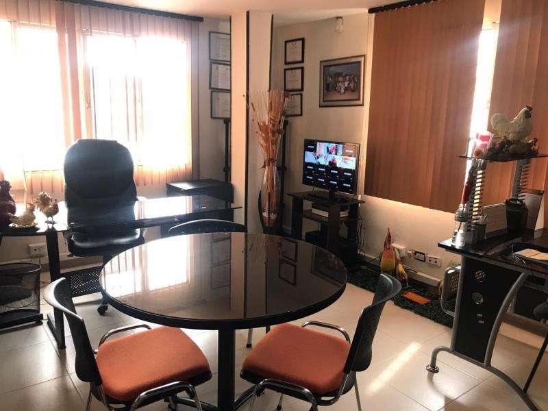 Cod. VBINH-661 Edificio En Venta En Cali Santa Elena