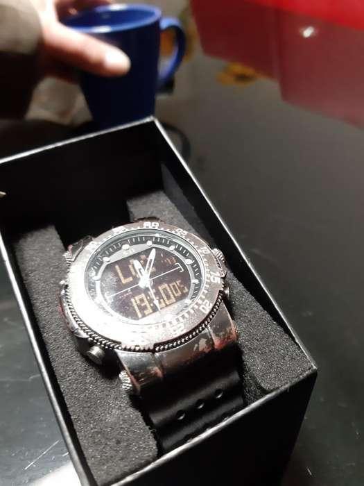 Se Vende Hermoso Reloj de Alta Gama
