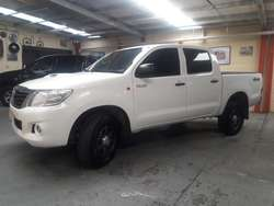 Toyota Hilux 2012 Dx Pack Full 4x4 alta y baja impecable estado tmo permuta