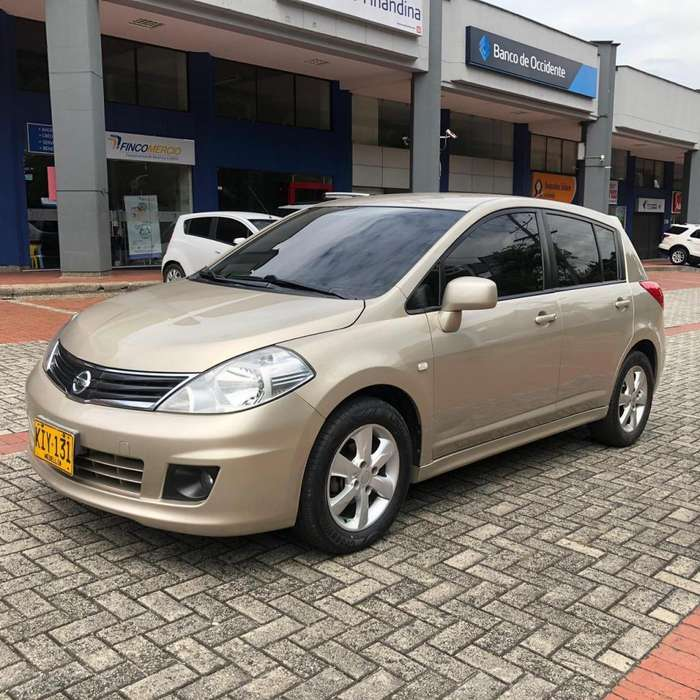 Nissan Tiida 2011 - 88000 km