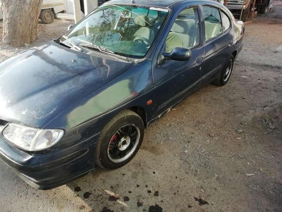 Renault Megane  1998 - 100000 km
