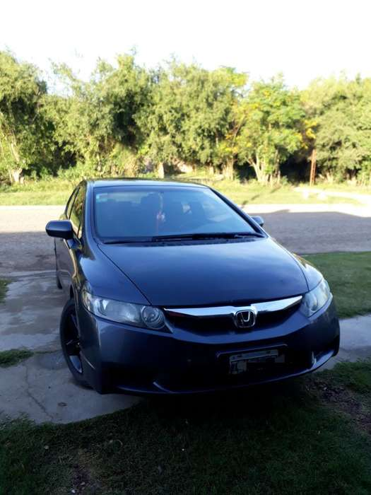 Honda Civic 2009 - 140 km