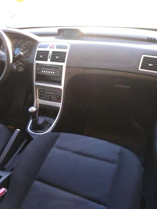 Peugeot 307 2011 - 80000 km