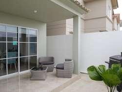 Venta de Casa en Urb. Casa Laguna con acabados de lujo a pocos minutos de Ciudad Dorado.