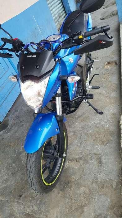 Suzuki Gsx150 en Excelente Estado