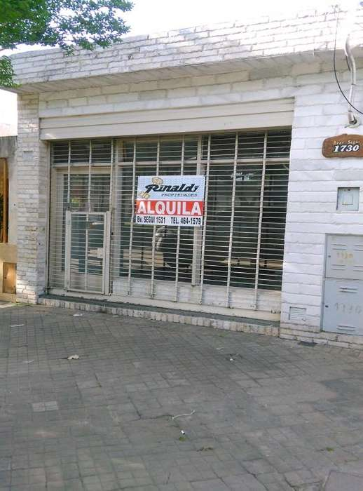 Alquiler Local Bvd. Segui N 1730, 28m², frente vidriado con persiana. Excelente.