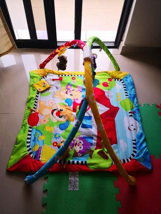Gimnasio de Fisher Price