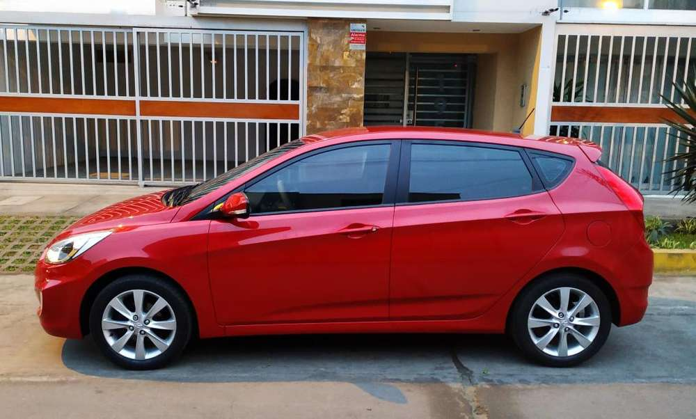 Hyundai Accent Hatchback 2017 - 1800 km