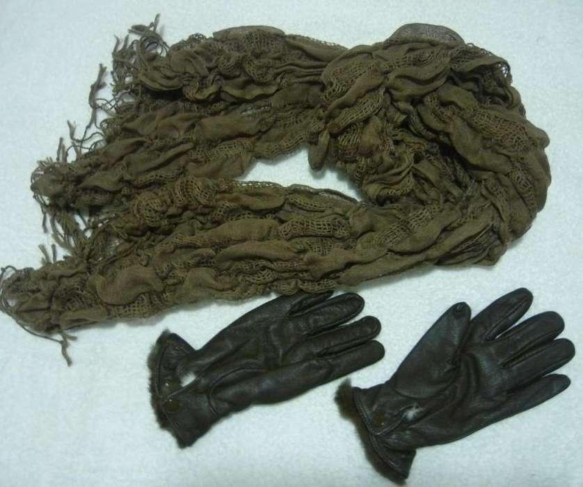 Bufanda y guantes de cuero