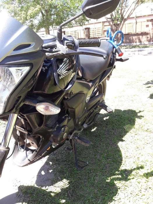 Vendo Honda Invicta Impecable