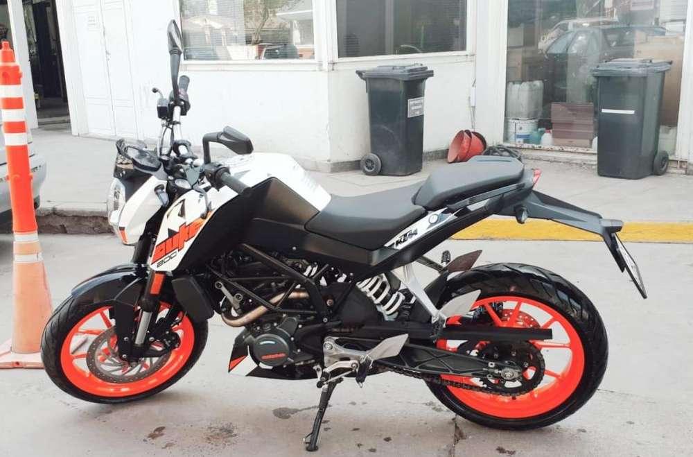 Vendo KTM Duke 200