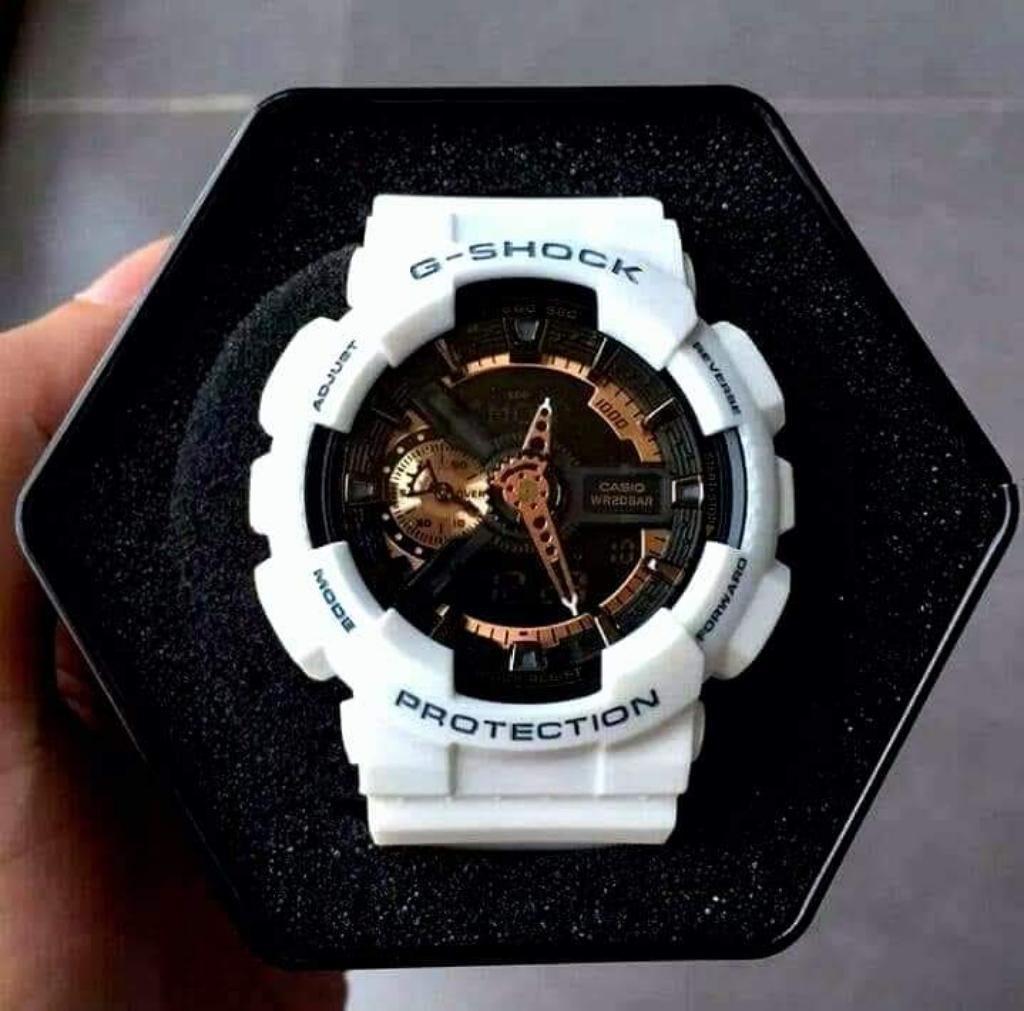 a5e3fcbc1e0b Reloj Casio Gshock Ga110 Blanco Dorado - Lima