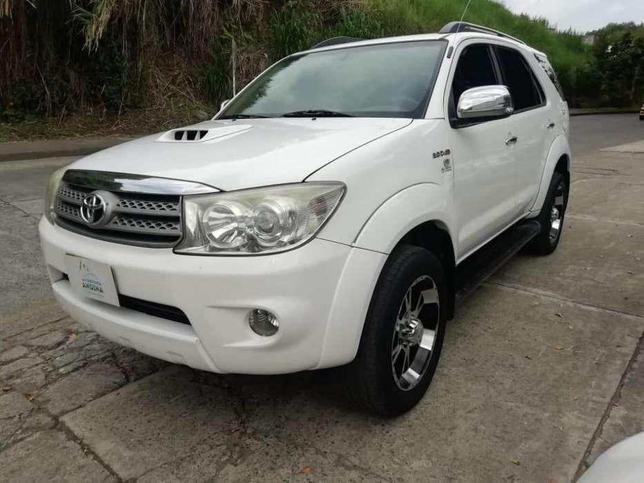 Toyota Fortuner 2009 - 123000 km