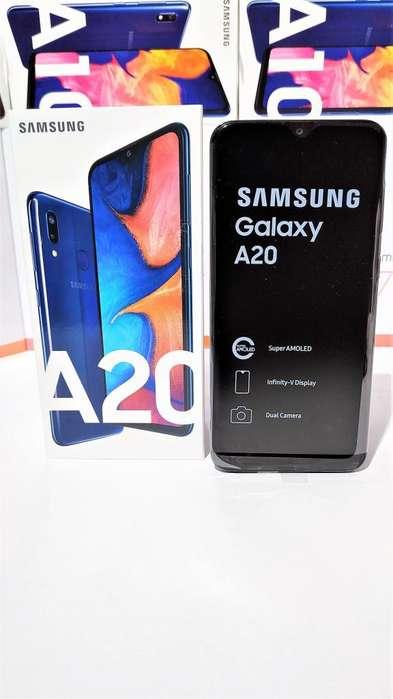 Samsung A-20 Pantalla Super AMOLED HD de 6.4