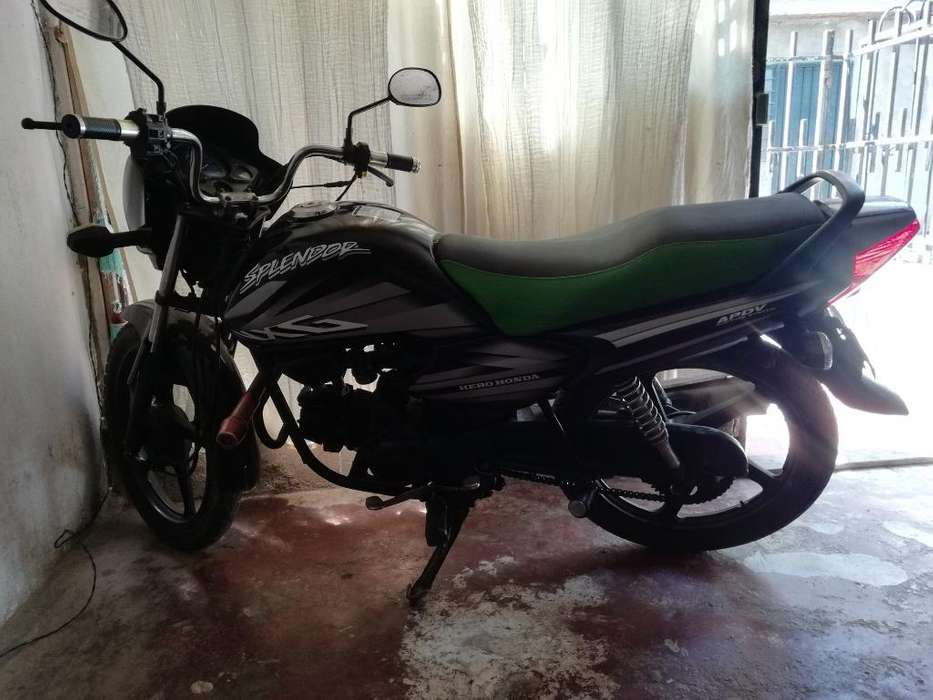 Hero Honda Splendor 2011. Full Motor.
