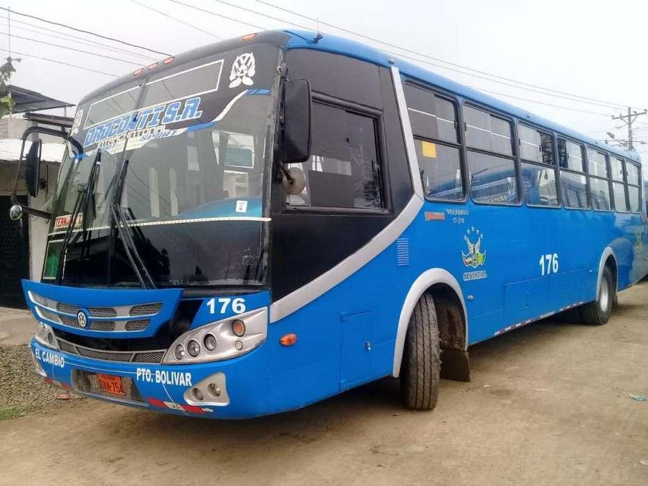 VENDO BUS VOLKSWAGEN 17-210 AÑO 2010. PRECIO 25.000 NEGOCIABLES .