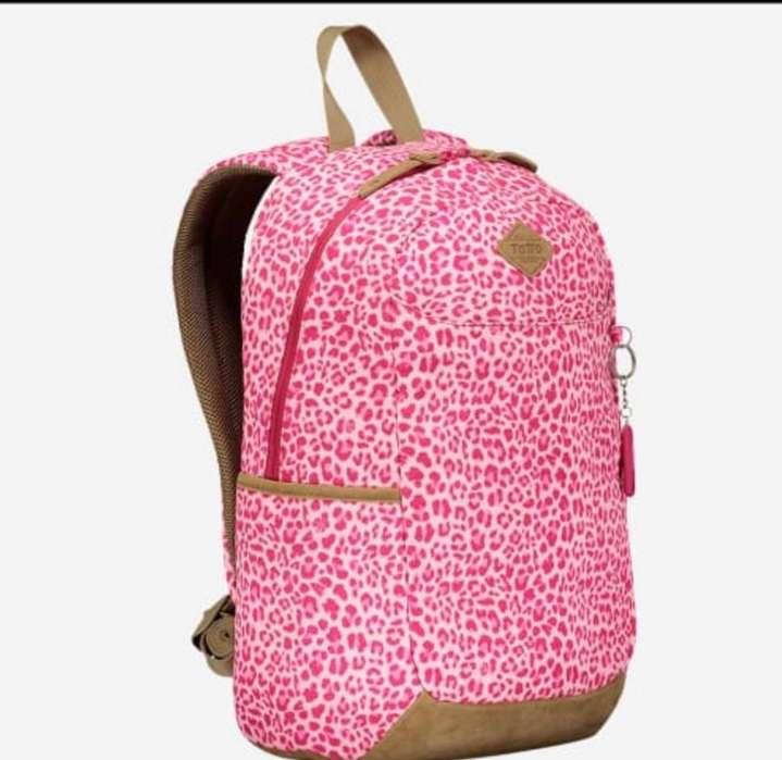 se vende hermosa mochila TOTTO