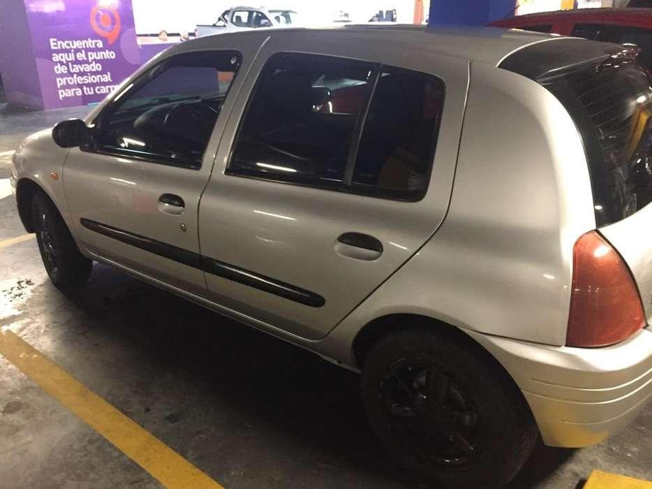 Renault Clio  2002 - 238676 km