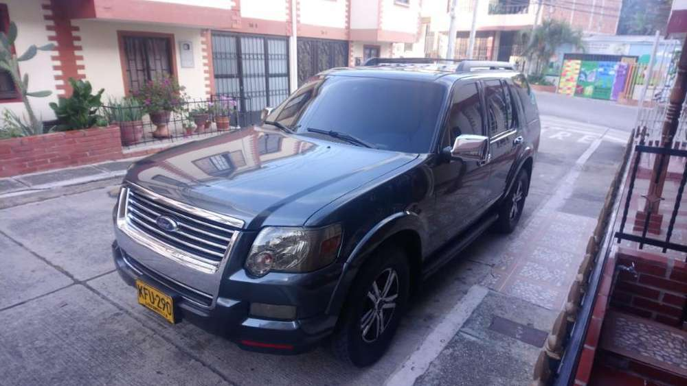 Ford Explorer 2010 - 189000 km